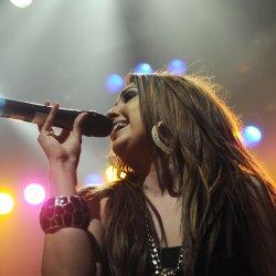 Nikki Flores - lyrics