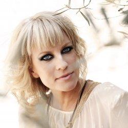 Laura Voutilainen - lyrics