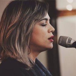 Daniela Araújo - lyrics