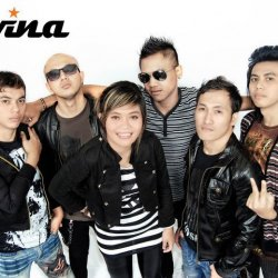 Lavina - lyrics