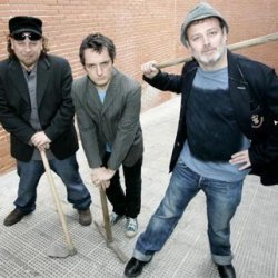 Los Toreros Muertos - lyrics