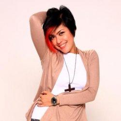 Novita Dewi - lyrics