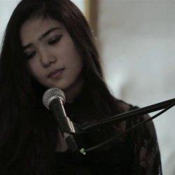 Isyana Sarasvati - lyrics
