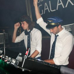 Flight Facilities - lyrics